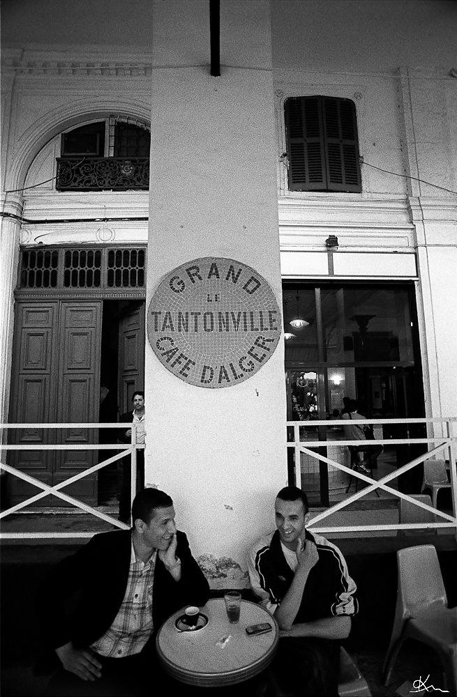 Buveurs de thé et café au Grand Tantonville - Alger 2008